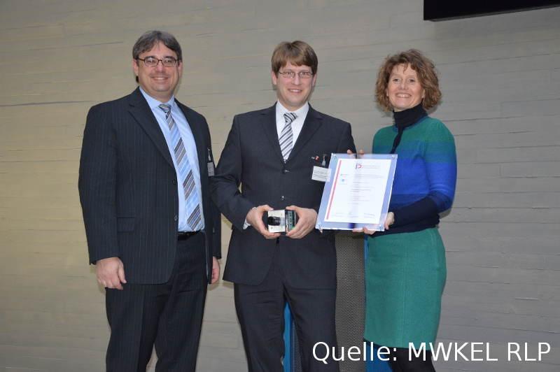 Überreichung der Auszeichnung durch Frau Ministerin Lemke (Photo: MWKEL RLP).