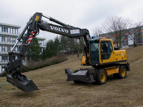 """In the project """"Autonomous Mobile Excavator"""" several SSI sensors go into action."""