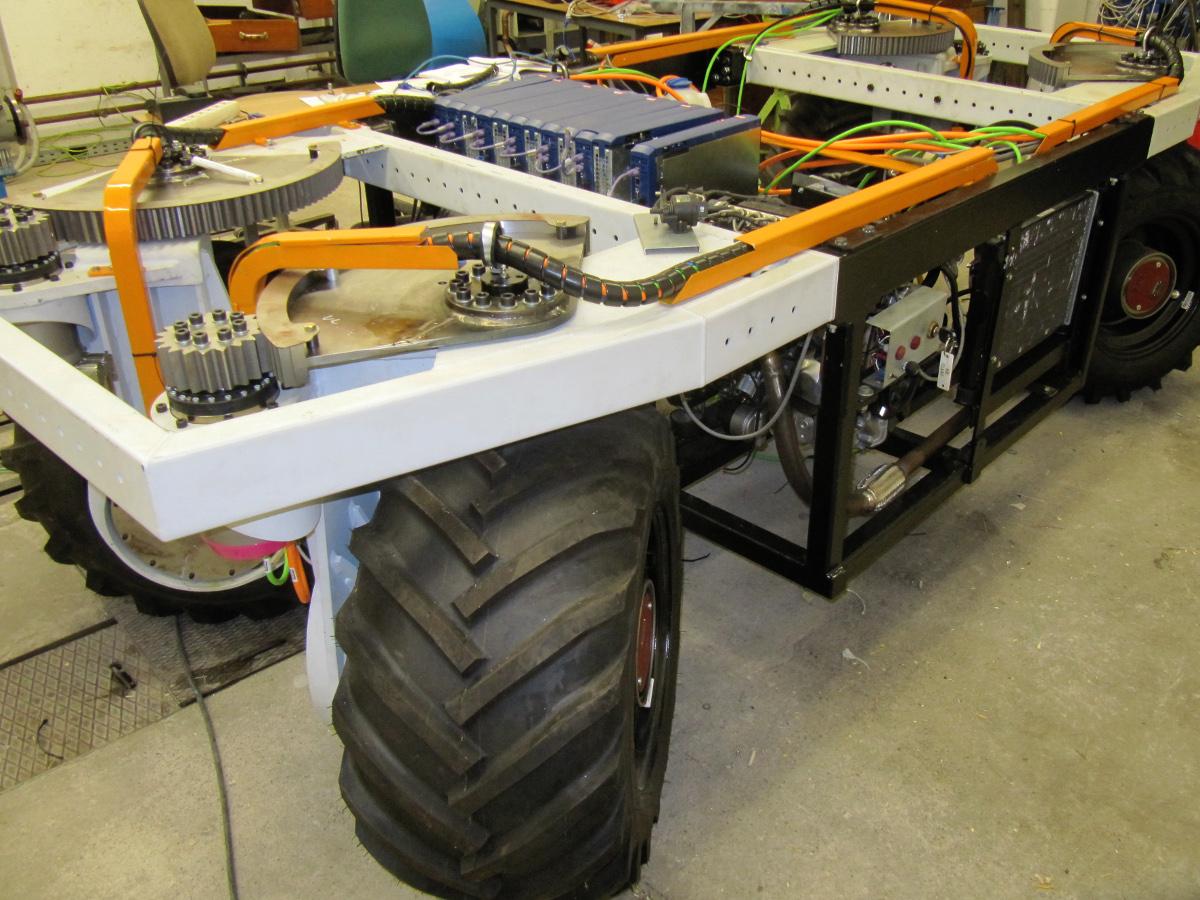 Der elWObot der Technischen Universität Dredsden (©TU Dresden)