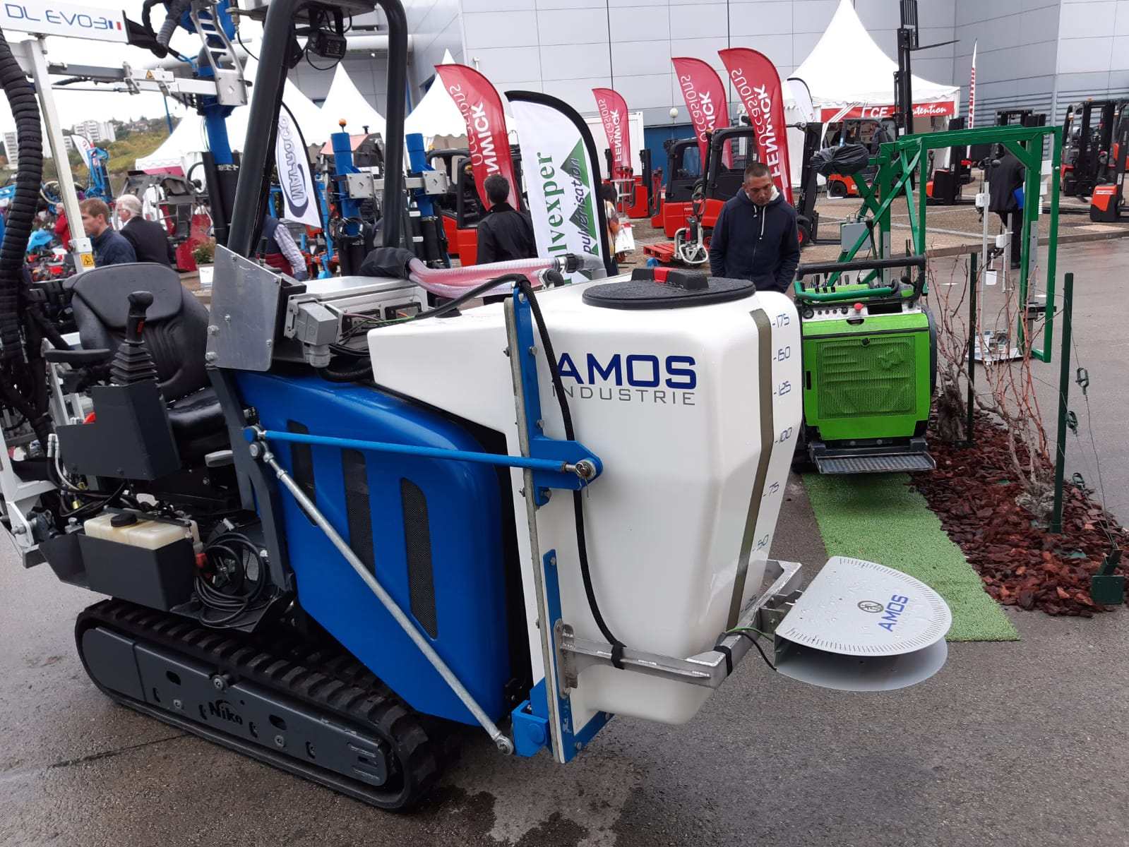 (Partially) autonomous systems like the sprayer seen here are another step in smart farming.